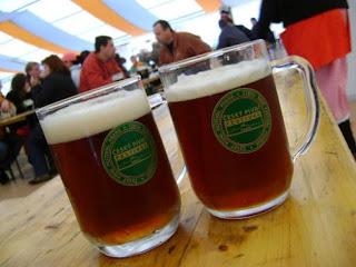 Festa della birra a praga - Bagno birra praga ...