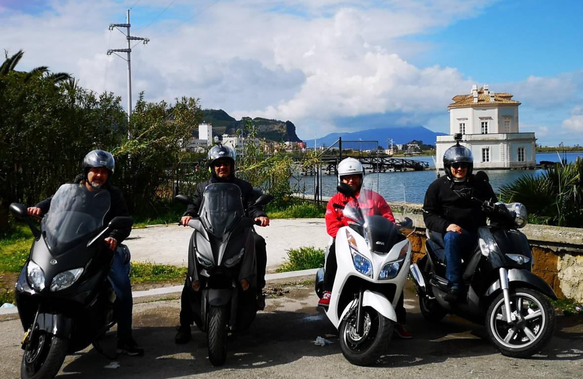 Dal presente al passato in scooter tra Arco Felice, Baia e Bacoli