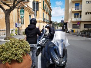tutti in costiera a due ruote- ftravelpromoter scooter